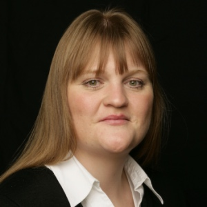 Ania Rontaler | Partner (Corporate, London), Simmons & SImmons